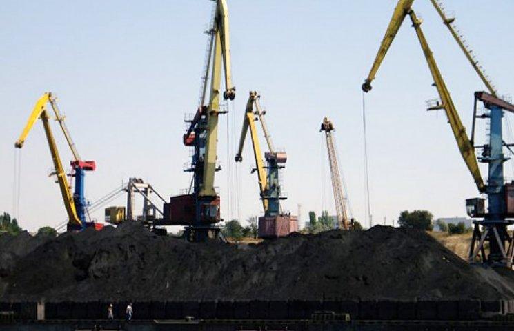 Експорт товарів з України обігнав імпорт на $ 293 млн.