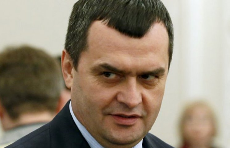 Беглый экс-глава МВД Захарченко собрался в Крым к «Беркуту»