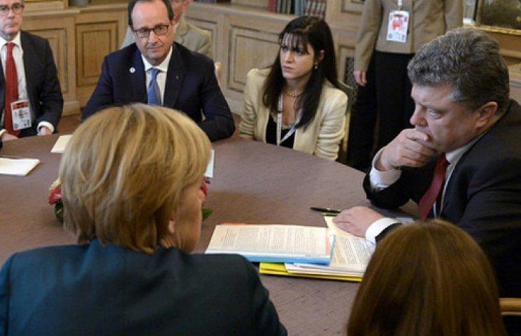 Порошенко, Меркель и Олланд – за срочную встречу контактной группы по Донбассу