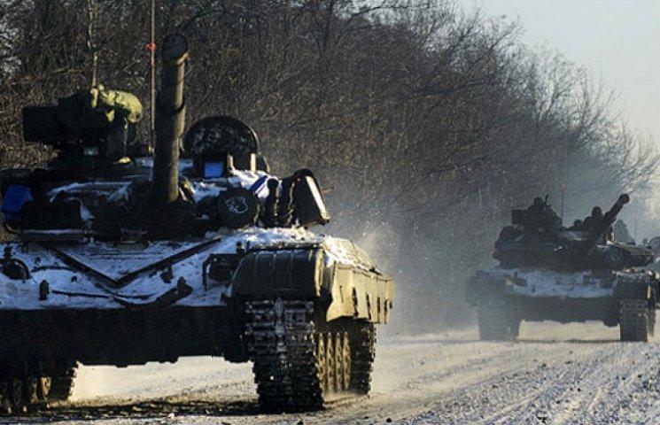 На Донбасс прибывает российская бронетехника, замаскированная под украинскую