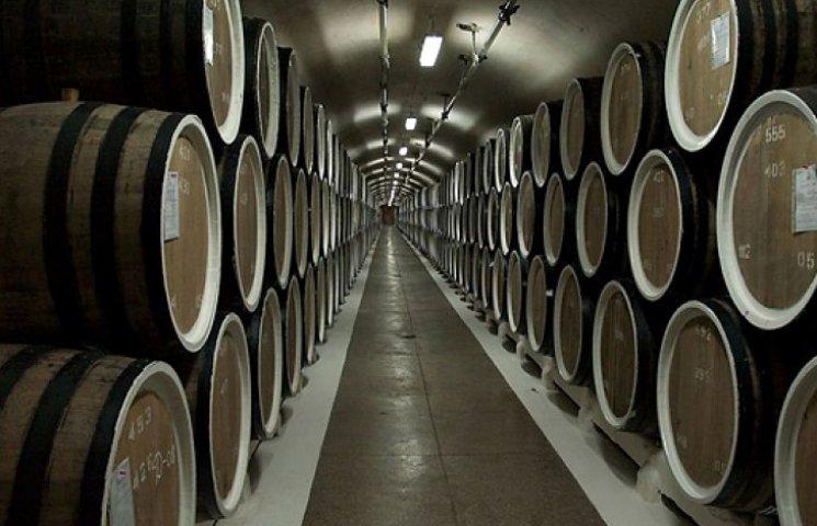 Кримським виноробним компаніям хочуть дати київську прописку