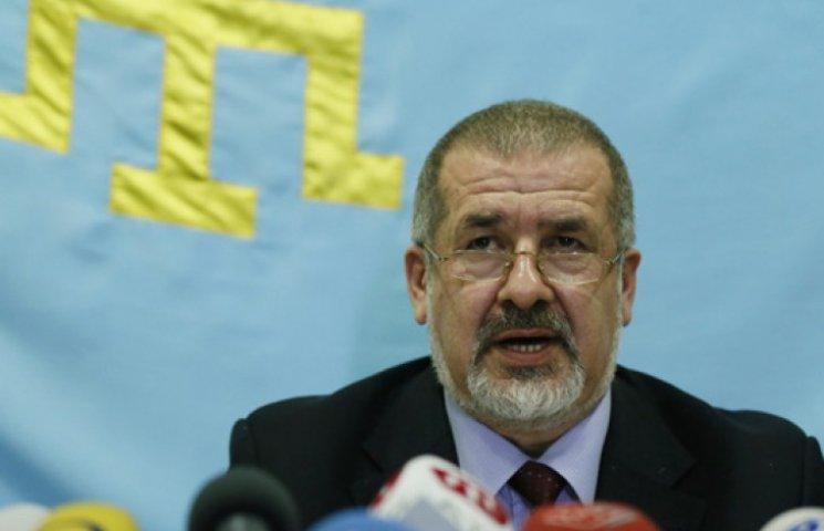 Членів меджлісу ФСБ не випускає з Криму - Чубаров