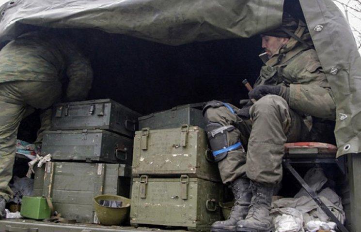 У Порошенко заявили о наличии доказательств поставки оружия боевикам