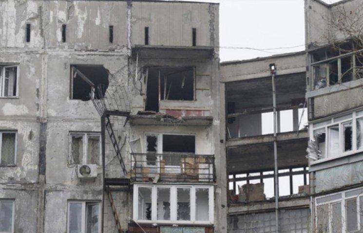 На восстановление Мариуполя Яценюк даст 10 млн гривен