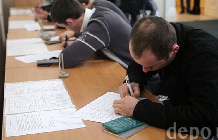 На місце одного патрульного поліцейського претендують 15 осіб - Аваков