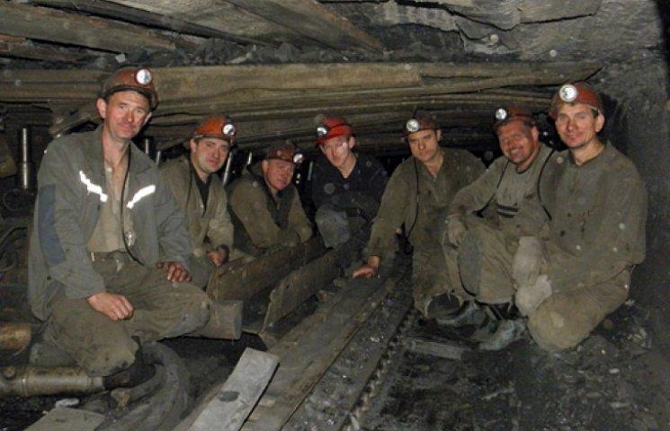 Митингующим шахтерам пообещали погасить долги по зарплатам