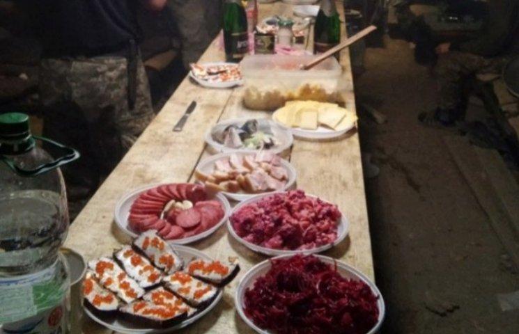 Як закарпатські військові святкували Новий рік у польових умовах