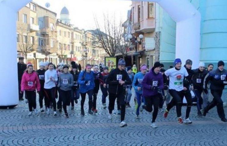 У Мукачеві відбувся святковий забіг на 2016 метрів
