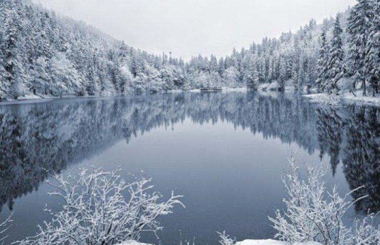 Неймовірні фото: Синевир засипало снігом