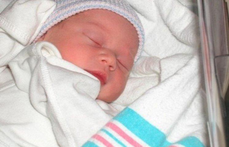 На новорічні вихідні вінницьких малюків реєстрували у пологовому