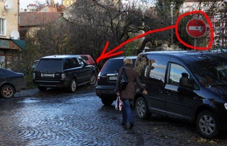 """Ужгородський мер """"відхрещується"""" від штрафу і каже, що порушник - тесть"""