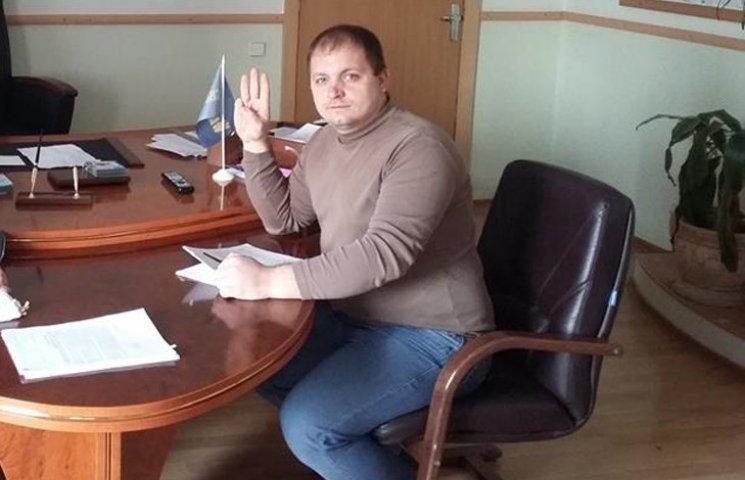 """Скандал на Сумщині: Мера Конотопа звинувачують у """"примусовій люстрації"""""""