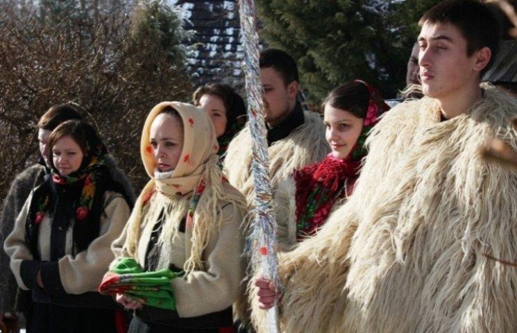 """Чудове відео: закарпатський ансамбль колядує """"Нова радість стала"""""""