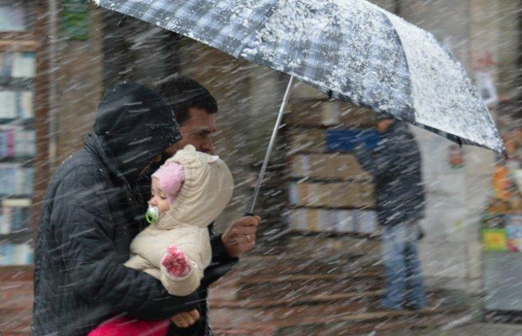 На Закарпатті штормове попередження, очікуються дуже сильні дощі