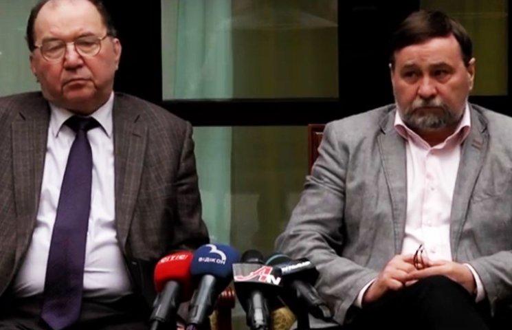 """Яценюк дозволив приєднати """"банківську академію"""" до СумДУ"""