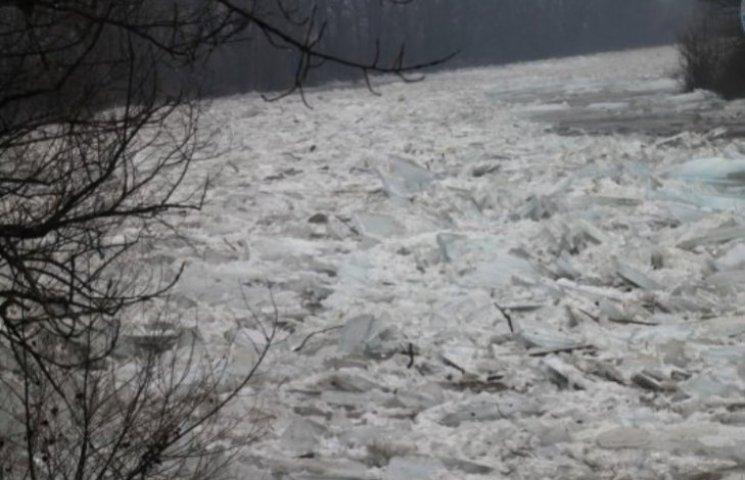 На річці Уж утворився льодовий затор довжиною два кілометри