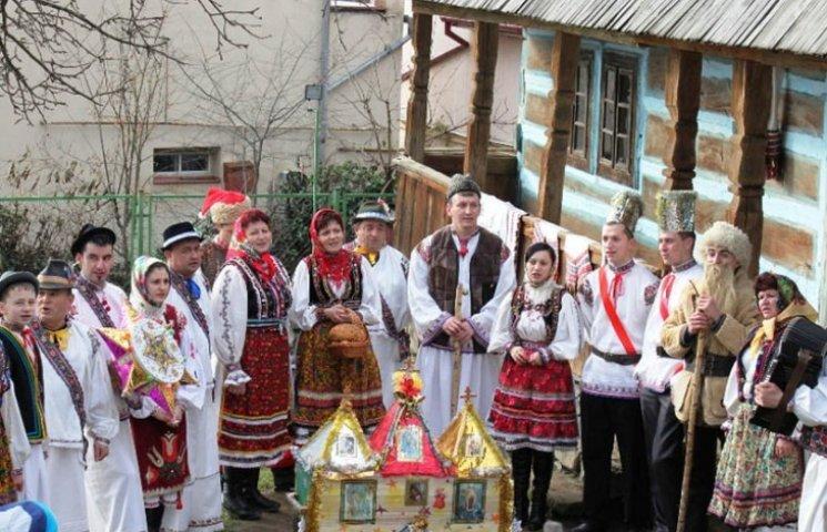 """В Ужгороді лунатимуть """"Коляди у старому селі"""""""