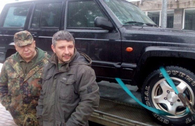 Вінничани відремонтували трофейний сепаратистський джип і передали на передову