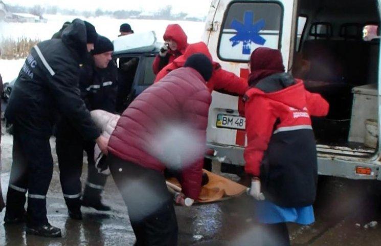 """На Сумщині надзвичайники звільнили трьох людей з """"металевої пастки"""""""