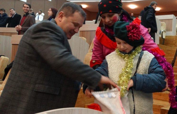 Маленькі козачата влізли до гаманців сумських депутатів