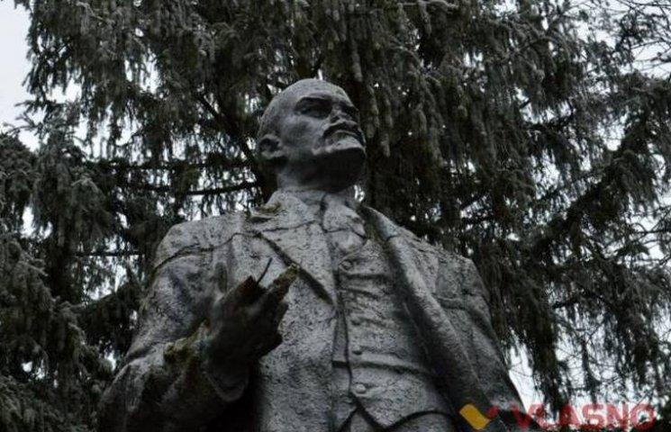 Як два Леніна заховались від декомунізації в селах Вінниччини