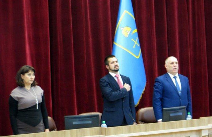 Поспішаючи на фуршет, депутати Сумської облради зняли з розгляду найгостріші питання