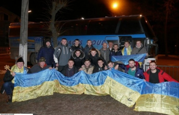 Фронтовий вертеп, поколядувавши в АТО, повернувся до Франківська