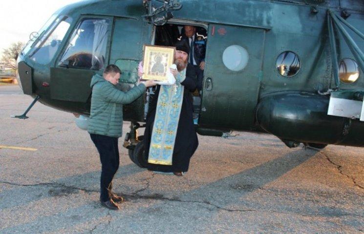 """Як московські попи """"умягчілі"""" злих кримчан з гелікоптера"""