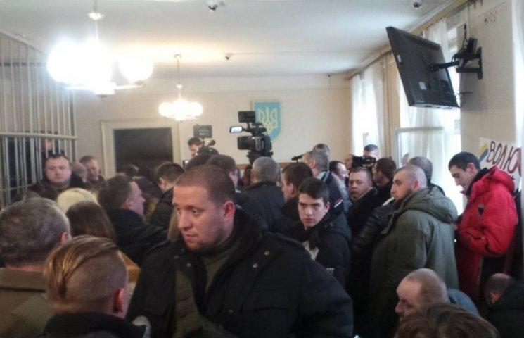 """Кілька нардепів приїхали до Ужгорода підтримати """"правосєків"""""""
