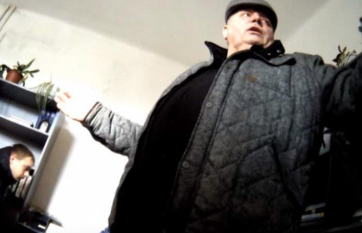 """Одіозний """"деректор Косівського району"""" скоїв ДТП в нетверезому стані ( ВІДЕО 18+)"""