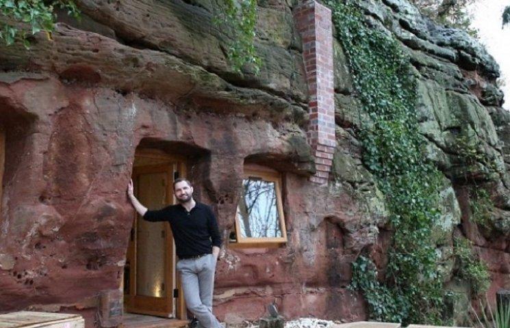Как мужчина из обычной пещеры сделал люкс-апартаменты с Wi-Fi