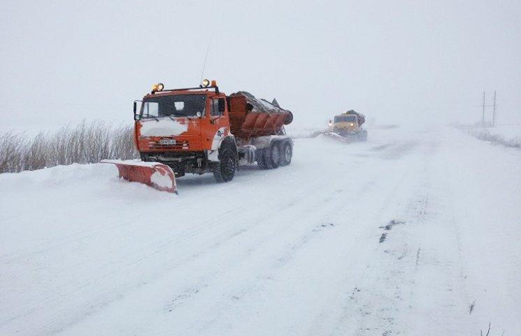 На дороги Сумщини висипали майже 270 тонн піску та солі