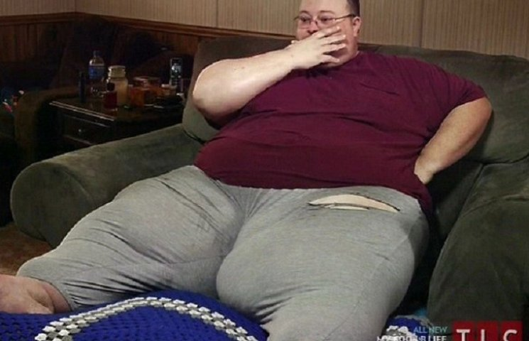 Як 320-кілограмовий чоловік розтовстів через те, що не приймав ліки
