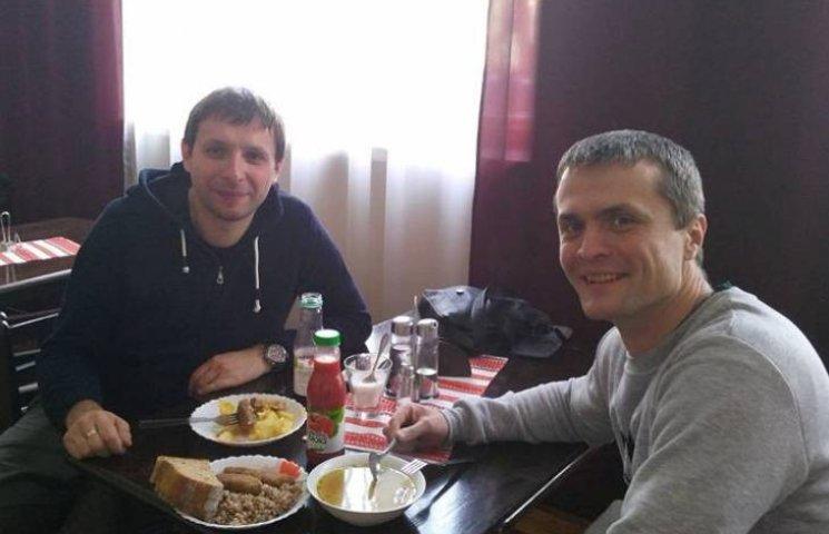 В Ужгороді нардепи Парасюк і Луценко зекономили на обіді