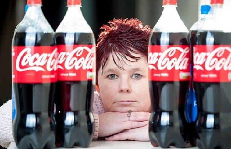 Як жінка, яка потребує переливання крові, випиває по 6 літрів Coca Cola щодня