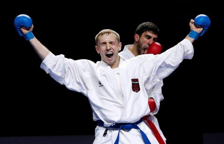 Сумчанин переміг 90 каратистів у Парижі