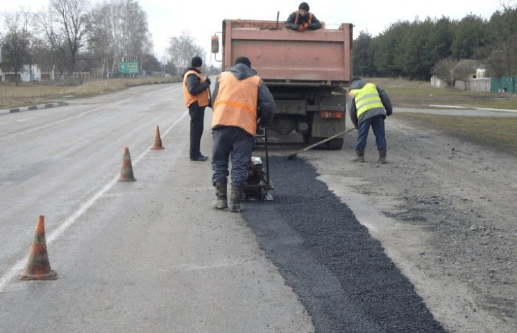 На Сумщині планують створити спеціальний фонд для ремонту доріг
