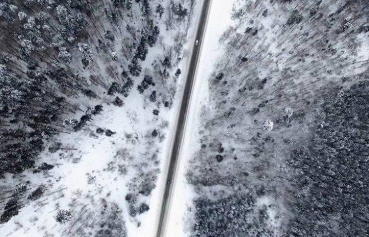 Захоплююче відео: Засніжені Карпати зафільмували з висоти