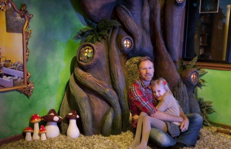 Как папа сделал в комнате дочери волшебный лес