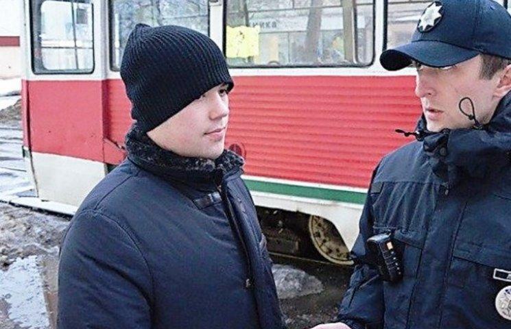 У Миколаєві син відомого бізнесмена заблокував трамваї позашляховиком