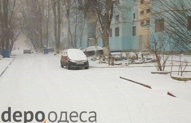 Вранці на Одещину обрушився циклон зі снігом та потужним вітром (ФОТО)