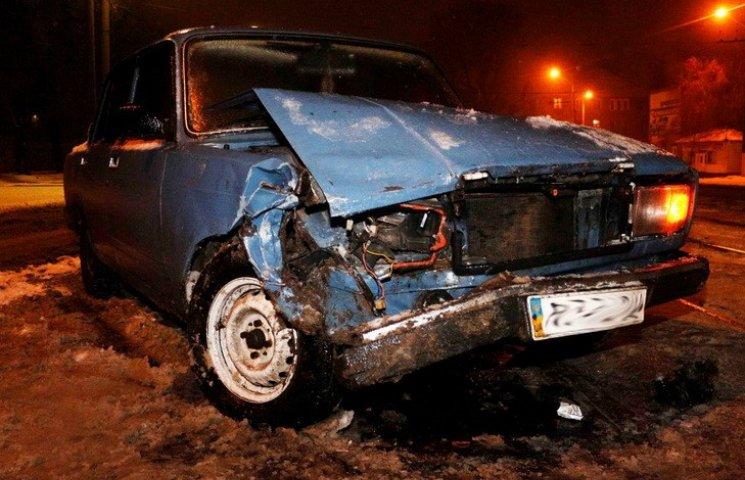 Через ожеледицю у Дніпрі сталася аварія