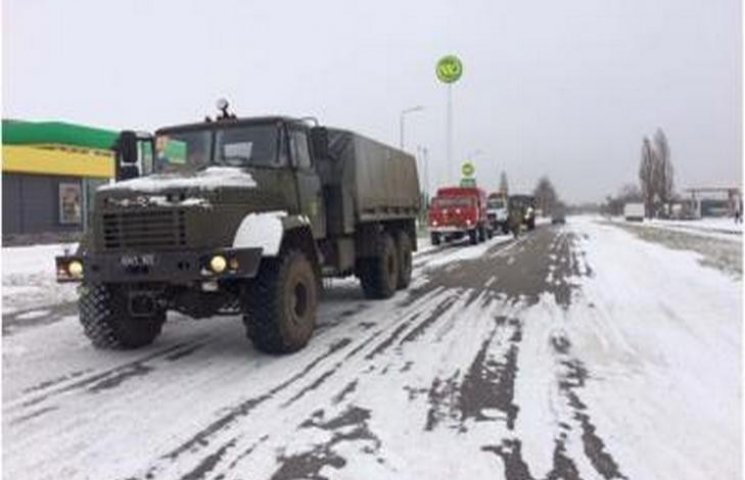 На Одещині підрозділи прикордонників долучилися до вилучення автіок зі снігових заметів