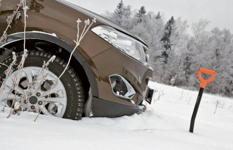 На Вінниччині семеро людей врятували зі снігових заметів