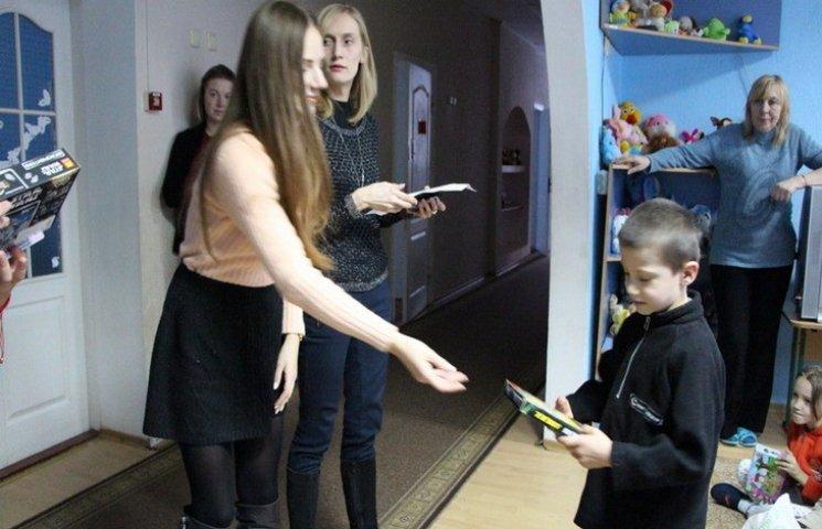 В Полтаве продолжают осуществлять новогодние желания детей