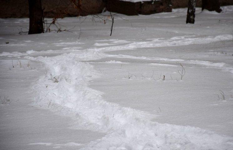 В райцентре на Виннитчине за ночь почернел снег