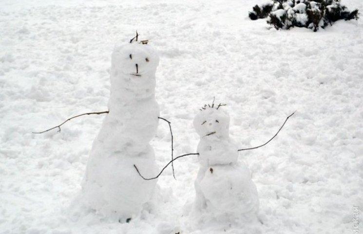 Центр Одеси перетворився на центр сніговиків (ФОТО)