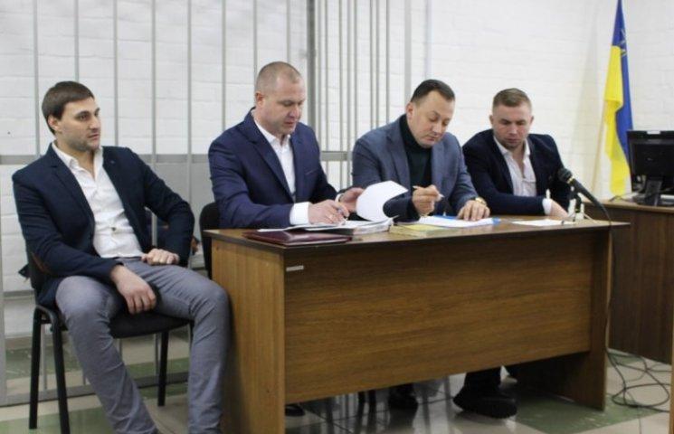 """""""Мажор"""", который устроил дебош в центре Николаева, едва не потерялся по дороге в полицию"""