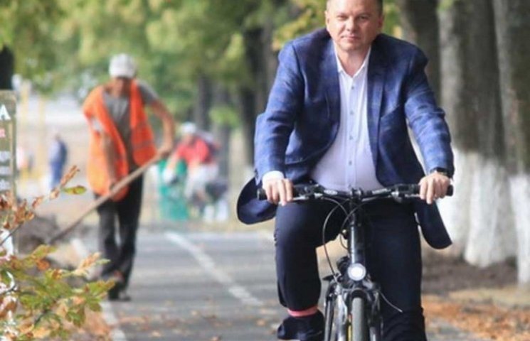 Вінничани чекають, коли Моргунов пересяде на велосипед