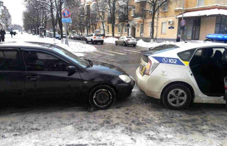 На Полтавщине произошло ДТП с участием патрульной машины Prius